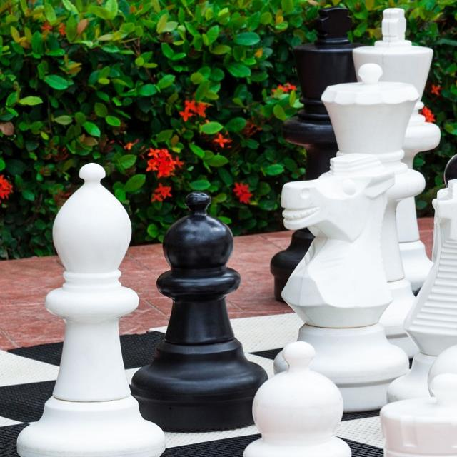 Where to find Game Chess Giant in Naples
