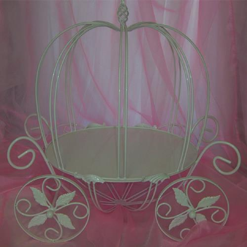 Carriage Cake Stand For Rent
